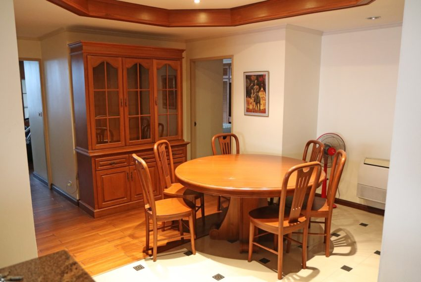 Asoke-Towers-3-bedroom-high-floor-sale-dinning