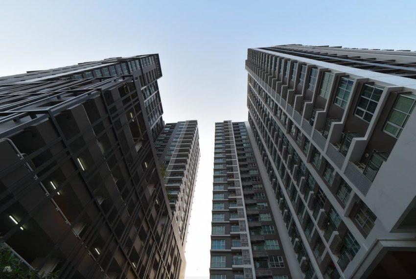 Aspire Rama 9 condominium - 2 buildings