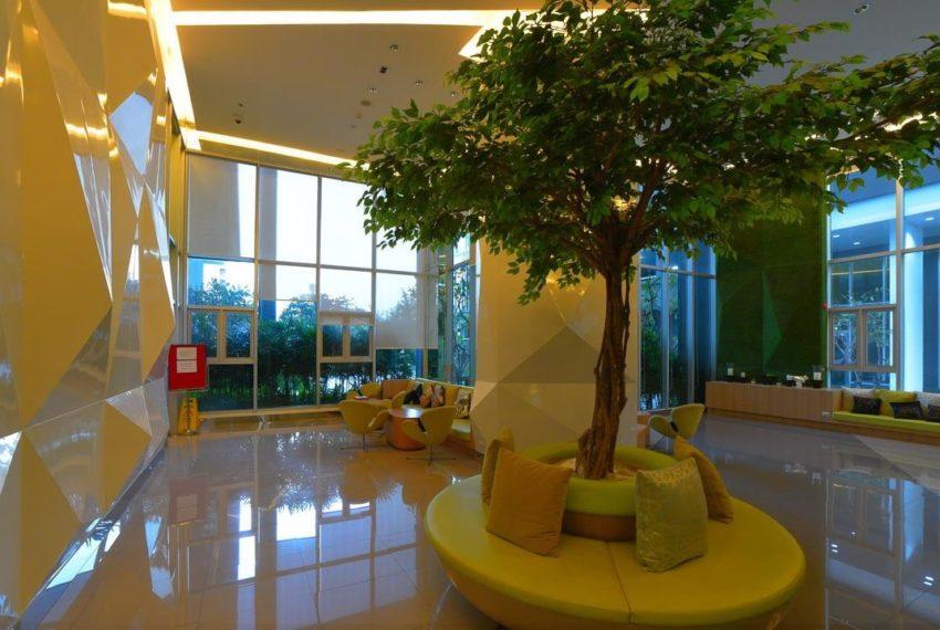 Aspire Rama 9 condominium - lobby