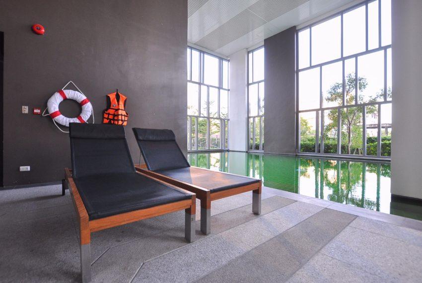 Aspire Rama 9 condominium - swimming pool