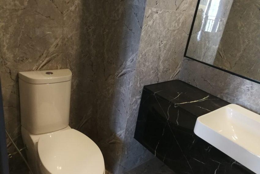 Aston_Asoke-1b1b-Bathroom