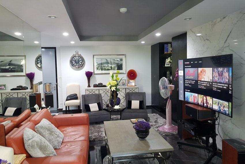Avenue 61 - 2bedroom - Sale - big living room