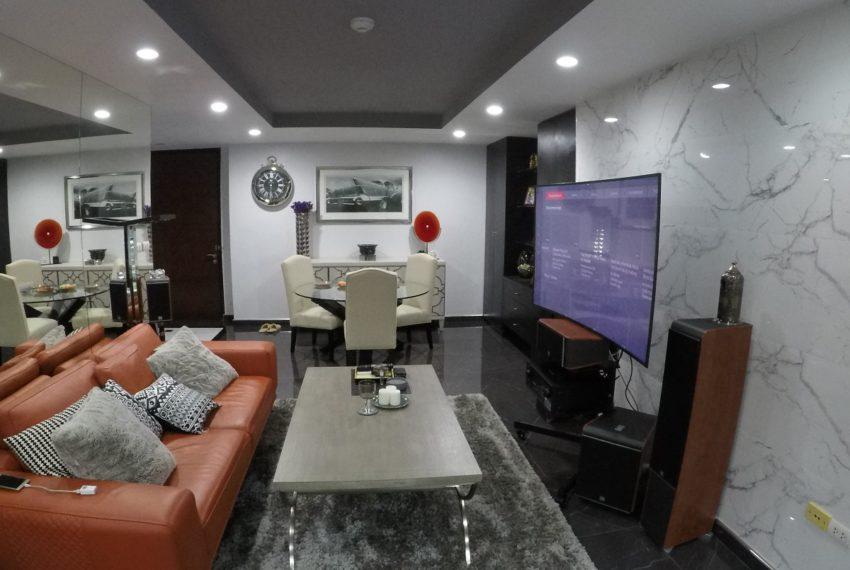 Avenue 61 - 2bedroom - Sale - living room