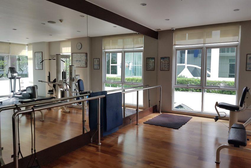 Avenue 61 low rise condominium - gym