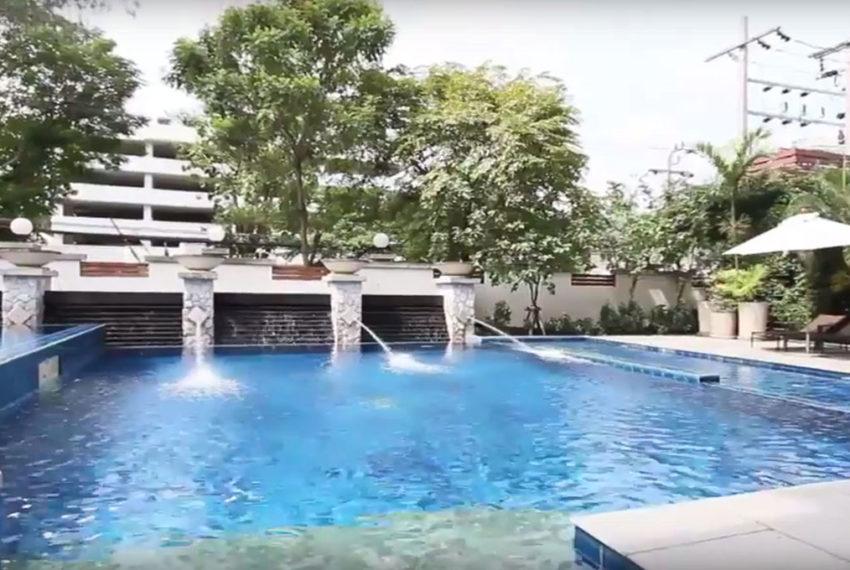 Baan Ananda Sukhumvit 61 - pool