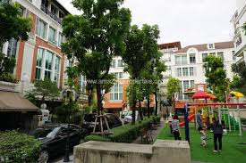 Baan Klang Krung British Town Thonglor - garden