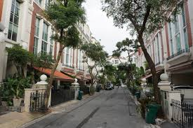 Baan Klang Krung British Town Thonglor - townhouses
