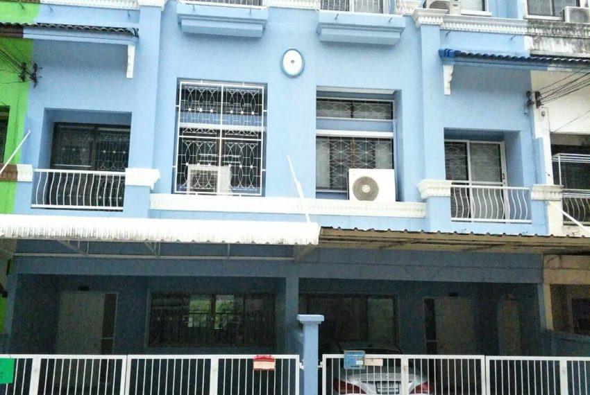 Baan Klang Muang-building