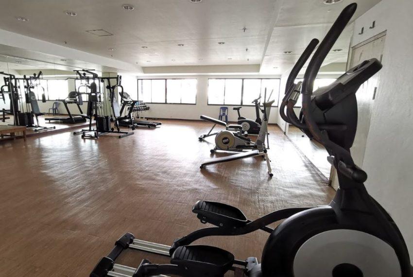 Baan Prompong Sukhumvit 39 condo - gym