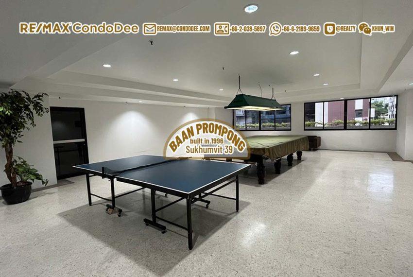 Baan-Prompong squash room