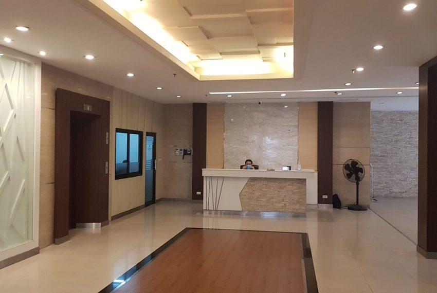 Baan Sathorn condominium - lobby