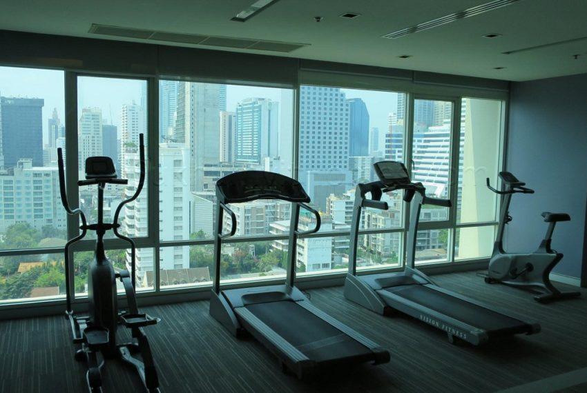 Baan Siri 24 condominium near BTS Phrom Phong - fitness