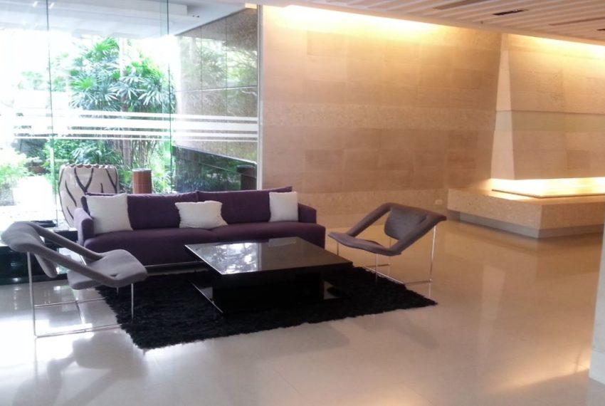 Baan Siri 24 condominium near BTS Phrom Phong - lobby table