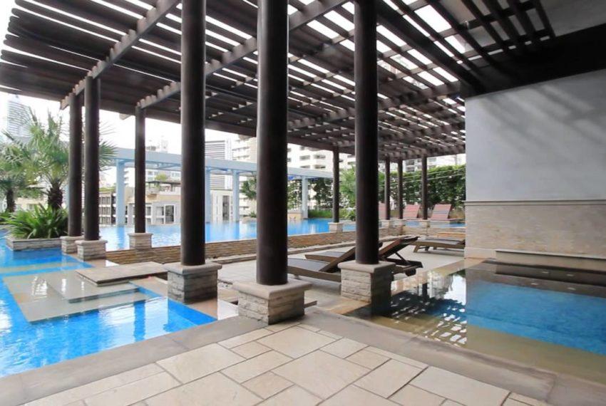Baan Siri 24 condominium near BTS Phrom Phong - pool floor