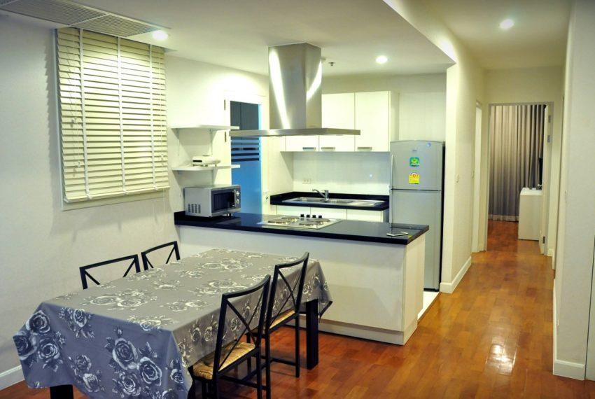 Baan Siri 31 Asok Phrompong Condominium - kitchen