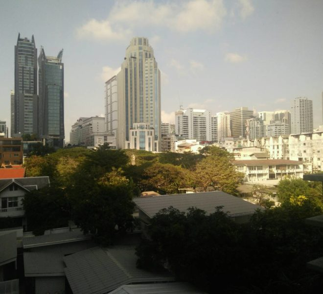 1-Bedroom Corner Condo In Baan Siri Sukhumvit 10
