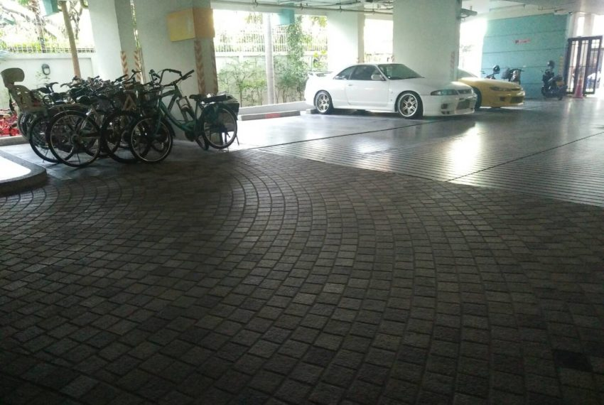 Baan Siri Sukhumvit 10 - parking