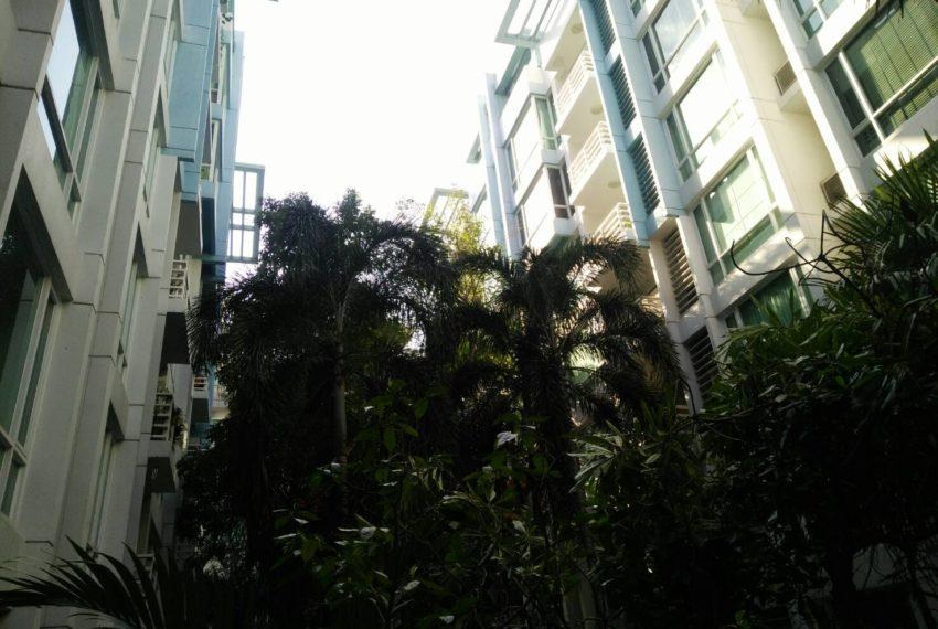 Baan Siri Sukhumvit 10 - two buildings