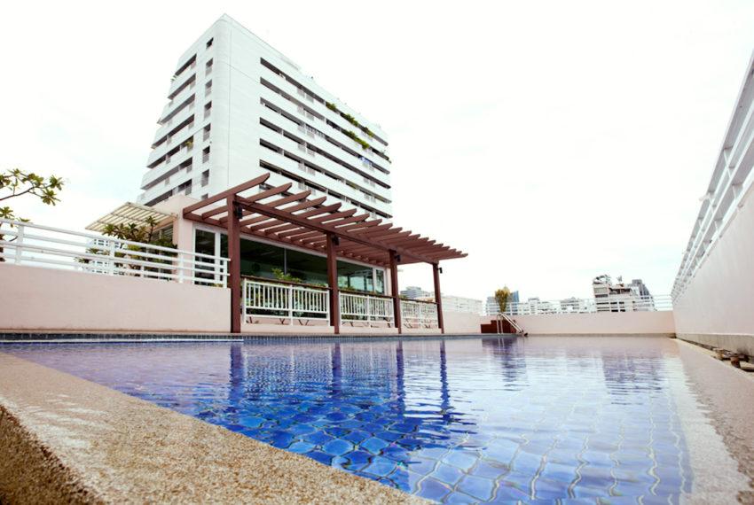 Baan Siri Sukhumvit 13 condominium - swimming pool