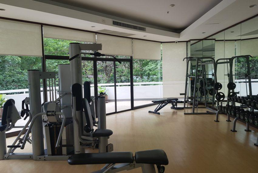 Baan Suanpetch condo in Sukhumvit 39 - fitness