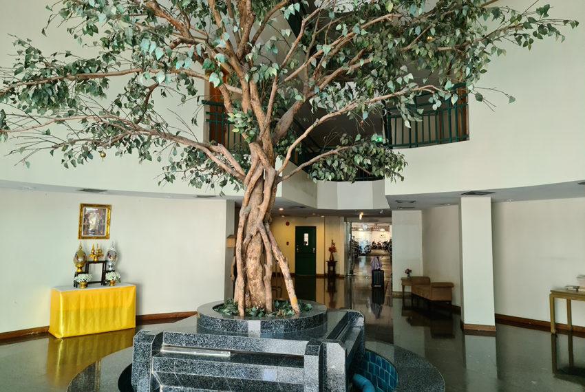 Baan Suksan Bangkok condo Sukhumvit 23 - lobby