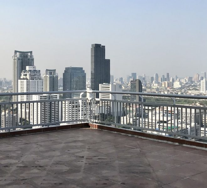 Sukhumvit apartment with a large balcony for sale - 3-bedroom - Grand Park View Asoke