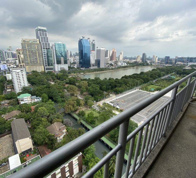 3-bedroom condo for sale in Sukhumvit 8 - park view - high-floor - Lake Green