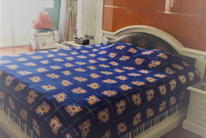 Ban Phrompong bedroom 01