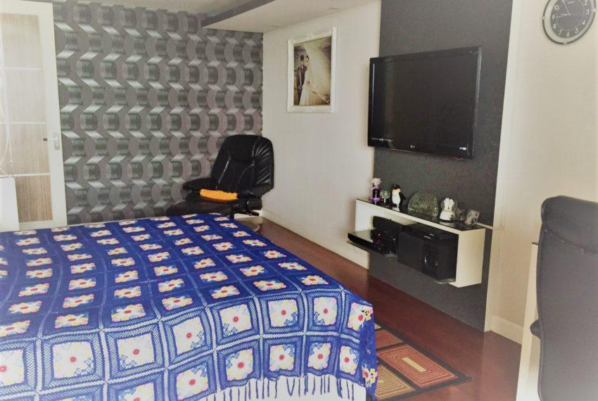 Ban Phrompong bedroom 02