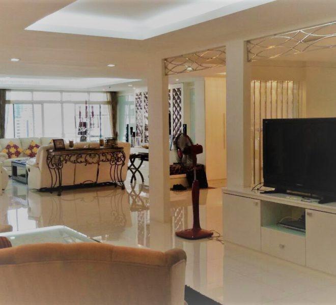 Spacious condo for sale at Sukhumvit 39 - 3 bedroom - Baan Phomphong