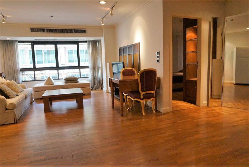 Bann Ploenchit Condo - 1 bed 1 bath - Living Room 2