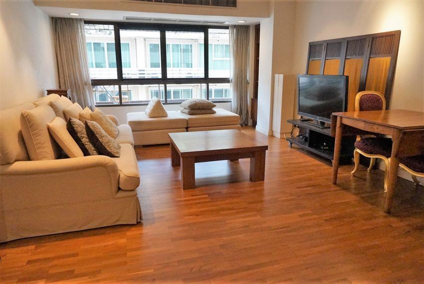 Bann Ploenchit Condo - 1 bed 1 bath - Living Room 3