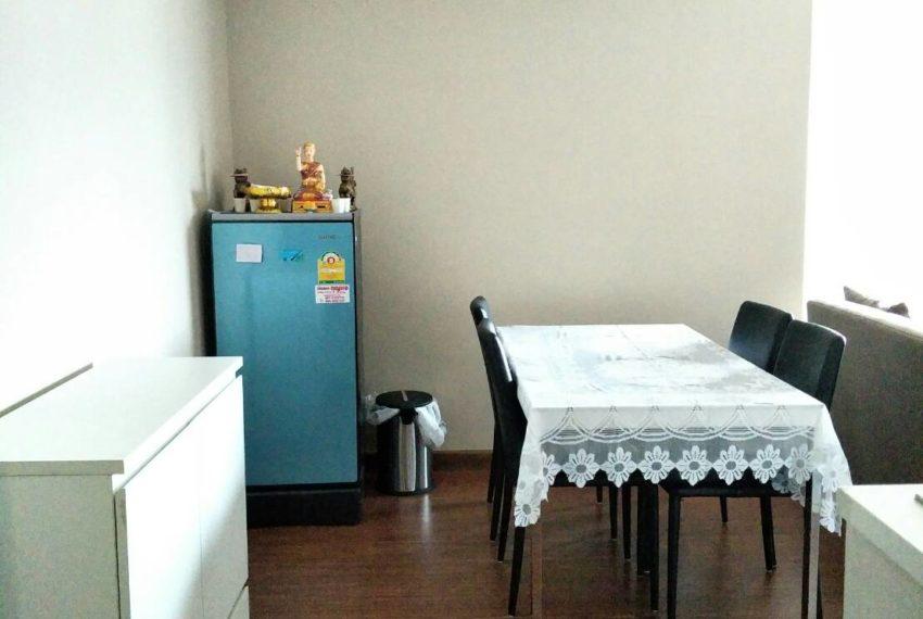 Bell Avenue-sale-livingroom-2