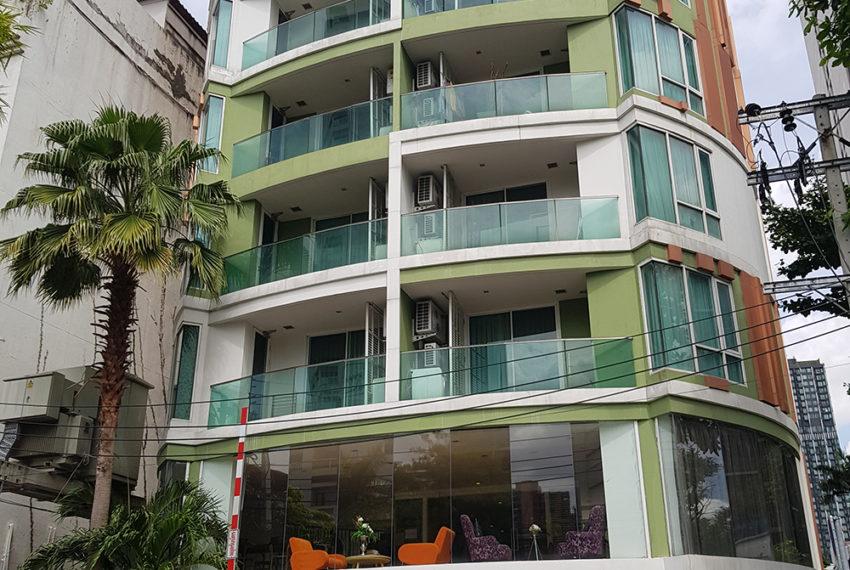 Beverly 33 condo 2 - REMAX CondoDee