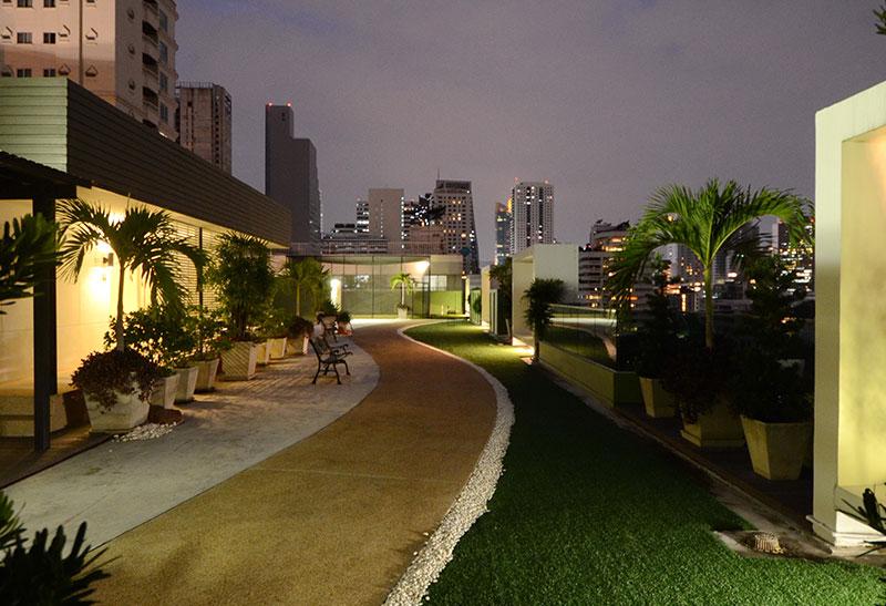 Beverly 33 condo - garden