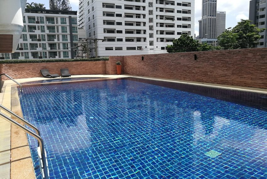 Beverly Tower Sukhumvit 13 - swimming pool