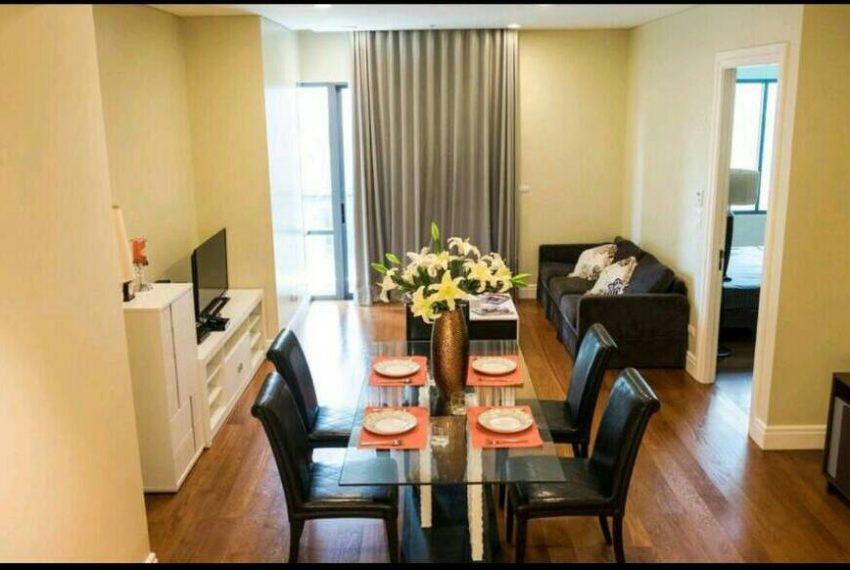 Bright Sukhumvit 24 1 bedroom for sale - living room