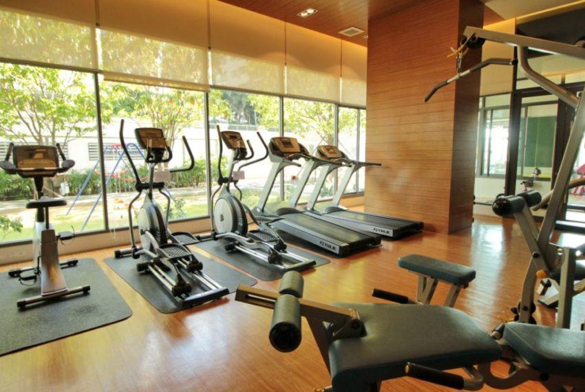 Bright Sukhumvit 24 condominium - gym