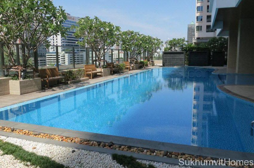 Bright Sukhumvit 24 condominium near EMQuartier - pool