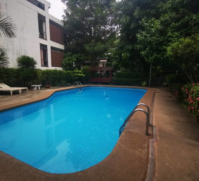 CS Villa Sukhumvit 61 - swimming pool