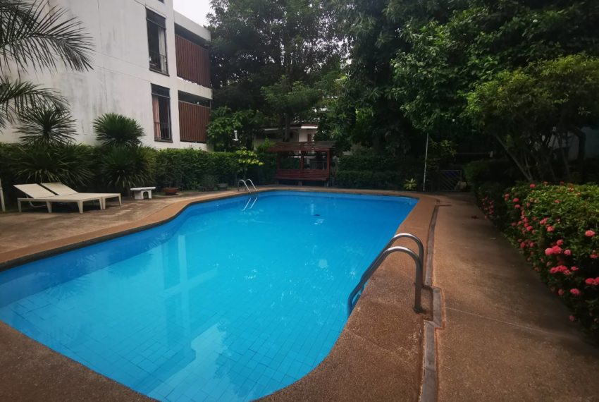 CS Villa Sukhumvit 61 - swimming pool