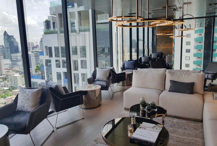 Celes Asoke condominium - lounge