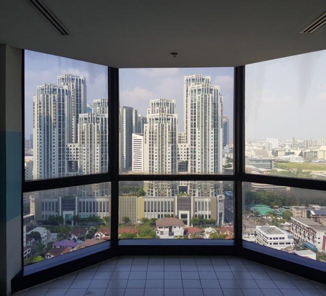 Chamnan Phenjati Business Center - Rama 9