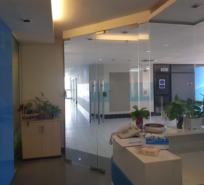 Chamnan Phenjati Business Center - entrance