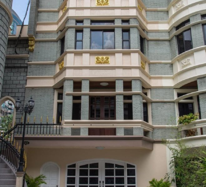 4-story townhouse for rent in Asoke - 3-bedroom - Chicha Castle