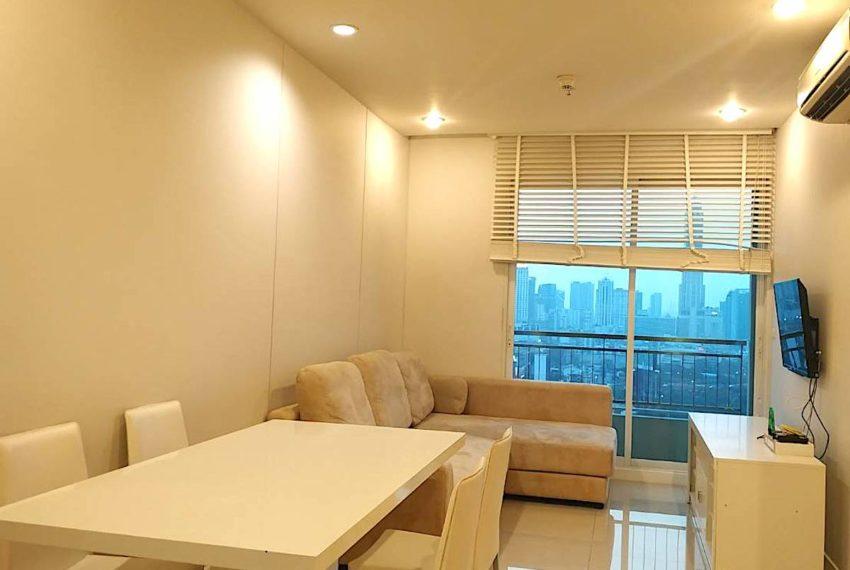 Circle Condominium Phetburi - Tower B_Living room