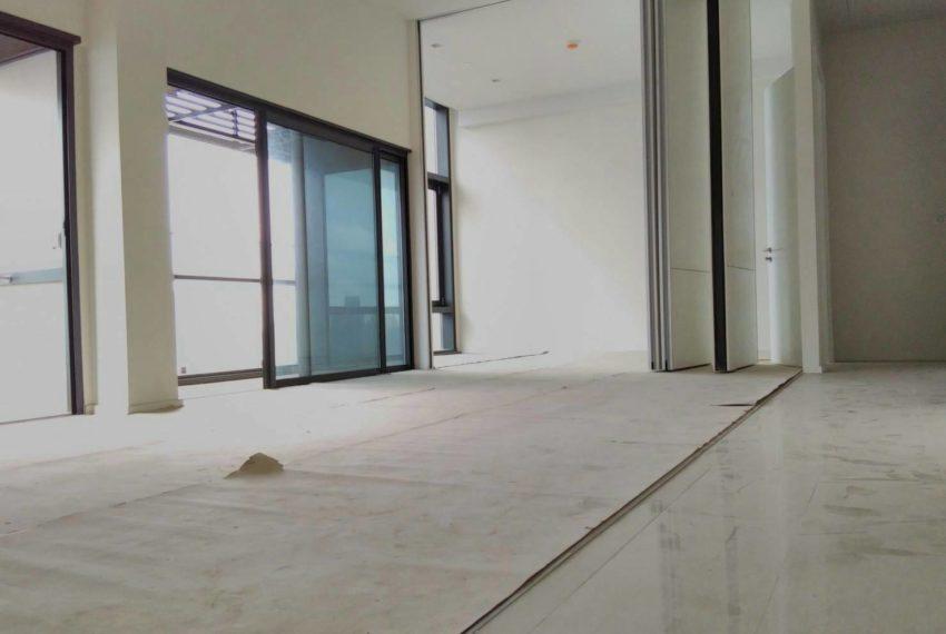 Circle Living Prototype - 2b2b - sale on high floor - living area