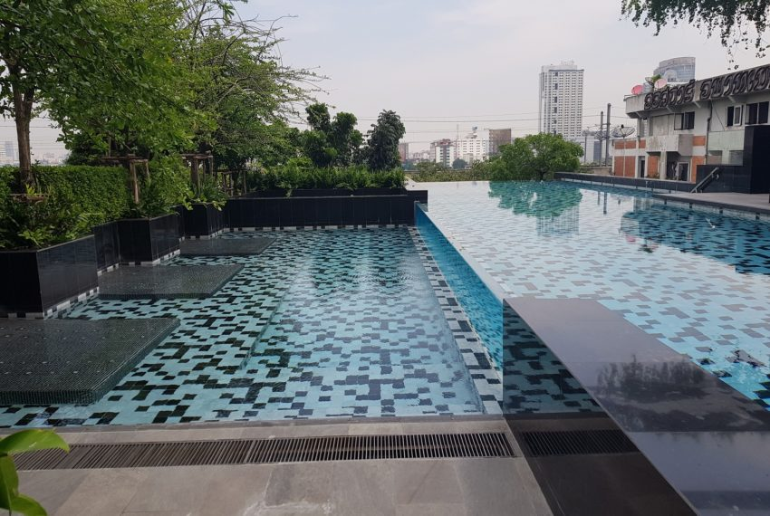 Circle Living Prototype - swimming pool