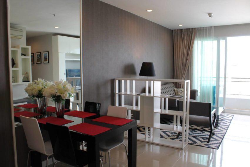Circle Petburi_livingroom3