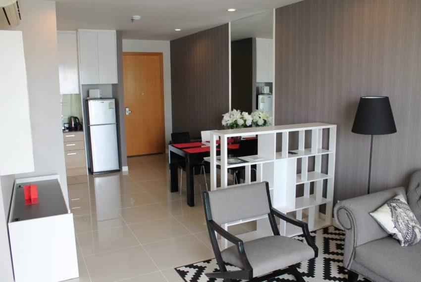 Circle Petburi_livingroom4